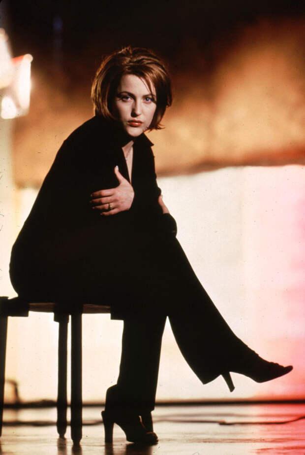 Джиллиан Андерсон (Gillian Anderson) в фотосессии Майкла Тая (Michael Tighe) (1997), фото 2