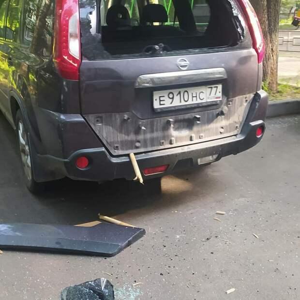 Семь автомобилей разбил дебошир на Планерной