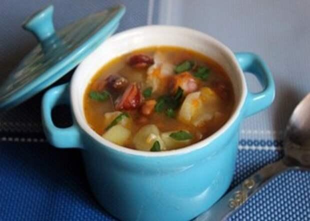 Фасолевый суп с охотничьими колбасками