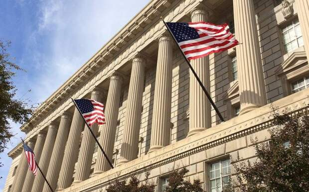 США снова отложила санкции против компании Huawei