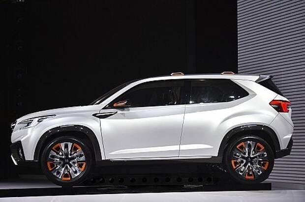 Subaru VIZIV Future Concept оставил человека за бортом (ВИДЕО)