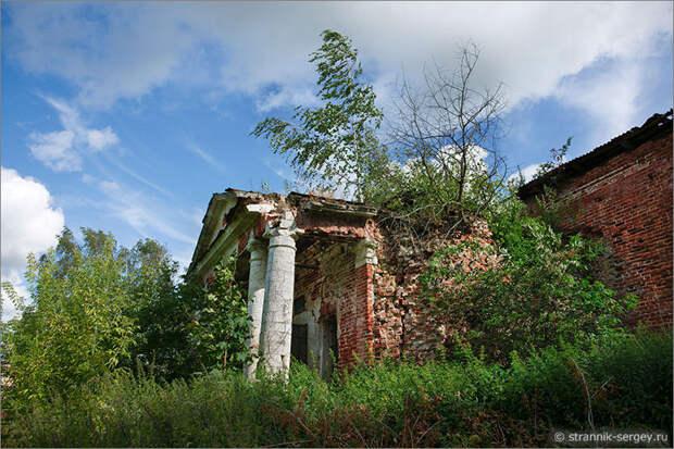 Красино-Убережное - Троицкая церковь