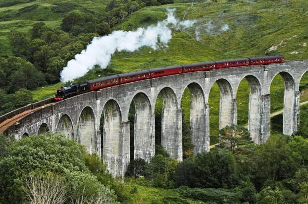 11 самых страшных железнодорожных маршрутов в мире