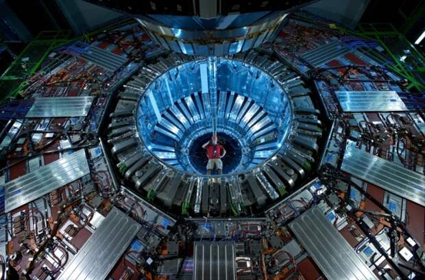 Коллайдер - дверь в иное измерение?