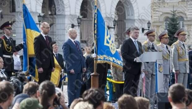 Порошенко объявил главных виновников гражданской войны на Украине - Яценюк и Турчинов. Путин не при чем.