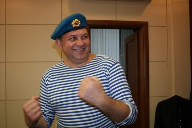 Мэр Архангельска решил совместить гей-парад с Днём ВДВ