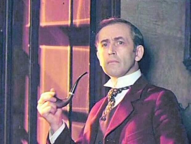 Василий Ливанов в образе Шерлока Холмса   Фото: segodnya.ua