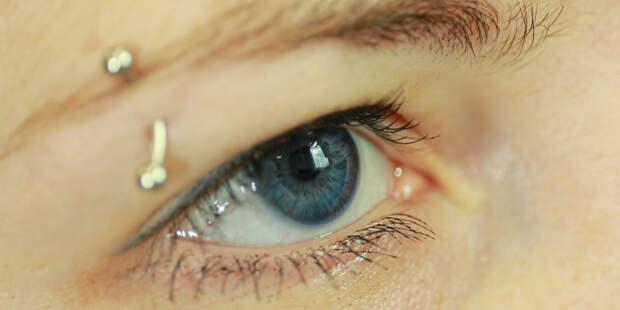 Ученые: Люди теряют ощущение времени, когда смотрят кому-то в глаза