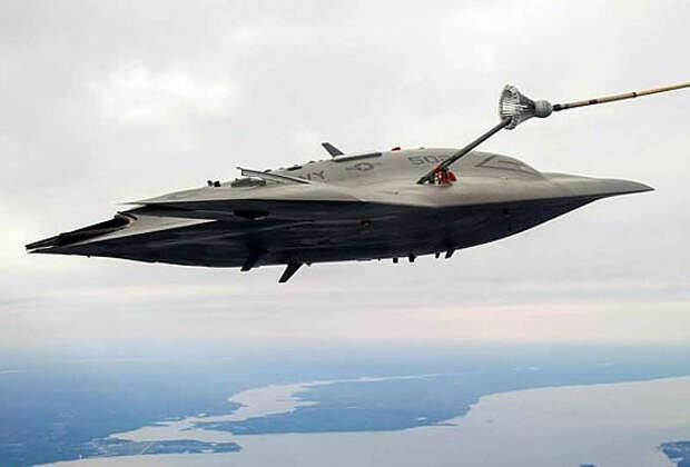 ВМС США провели испытания по дозаправке топливом БЛА X-47B