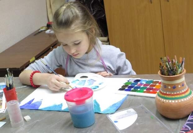 Семейный центр Западного Дегунина проведёт мастер-класс по рисованию