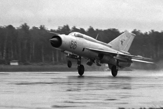 Американский летчик рассказал о впечатлении от полетов на МиГ-21