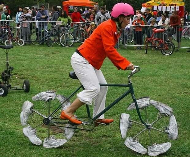 Ходящий велосипед.