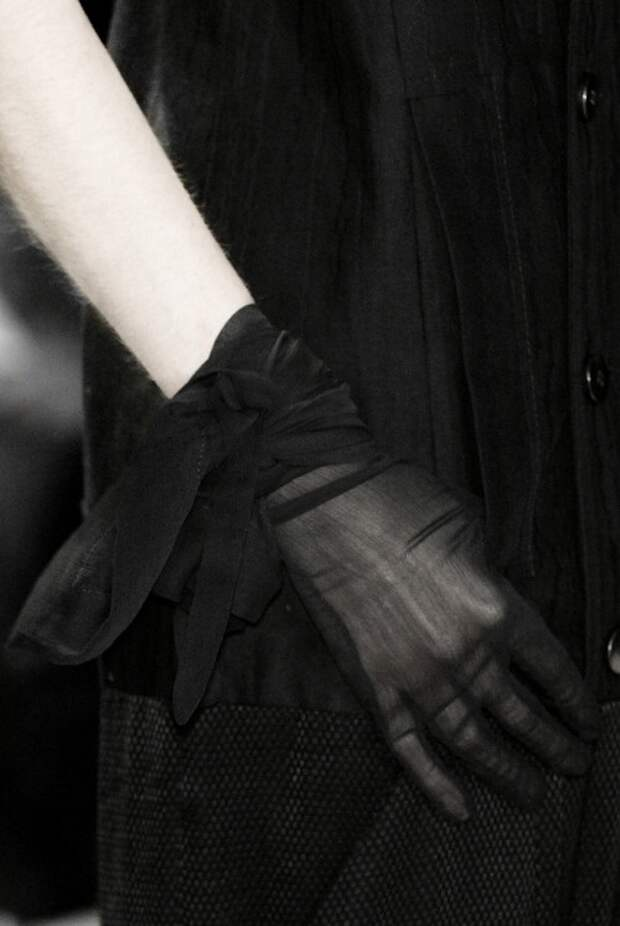 Шифоновые перчатки