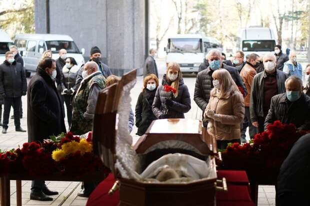 В Симферополе прощаются с председателем Общественной палаты РК Григорием Иоффе