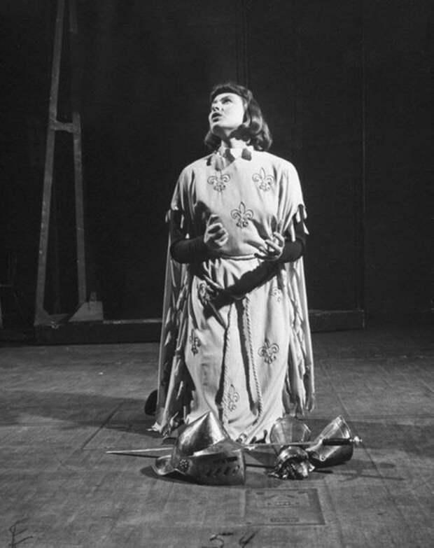 Ингрид Бергман в образе Жанны Д'Арк.