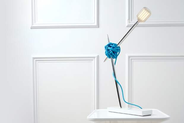 """""""Лампа для вязания""""  Needle Table Lamp от Vitamin"""