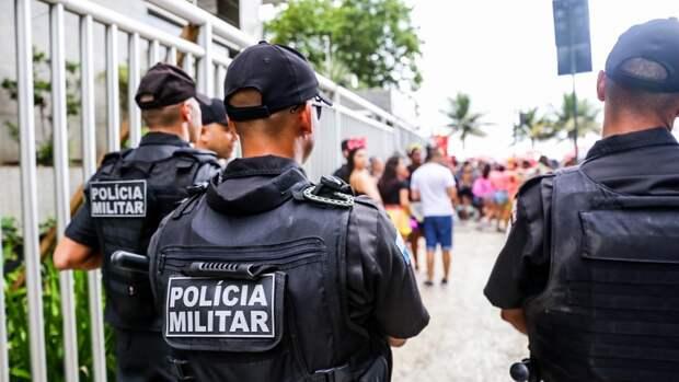 Банды Бразилии устроили войну на улицах Рио