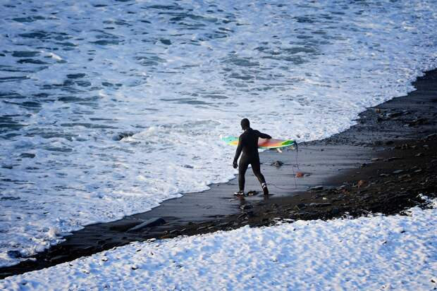 Зимний серфинг на острове Русский во Владивостоке