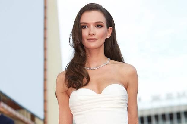 15 красавиц российского кино, которые могли бы затмить топовых звезд Голливуда
