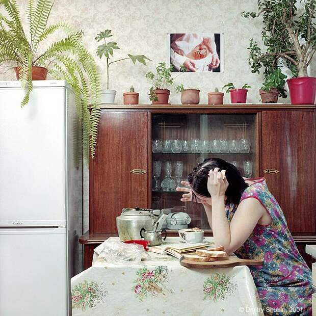 Грани реальности девушек начала 00 в фотопроекте «Extra Body».