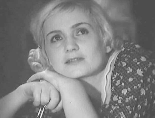Ада Войцик в фильме *Партийный билет*, 1936 | Фото: kino-teatr.ru