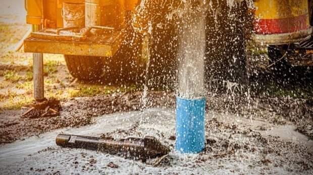 Скважины в Азовском море начнут бурить в середине лета