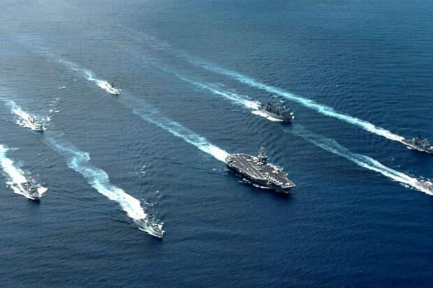 Китай строит тайную морскую армаду: кадры спутника США