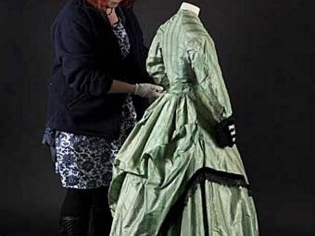 Платье, очки и другие чрезвычайно ядовитые предметы из прошлого