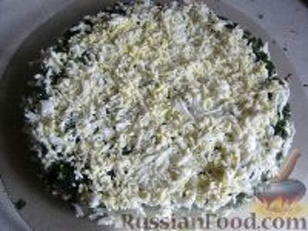 Фото приготовления рецепта: Салат слоеный из печени - шаг №12