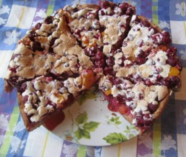 Творожный пирог с вишнями.