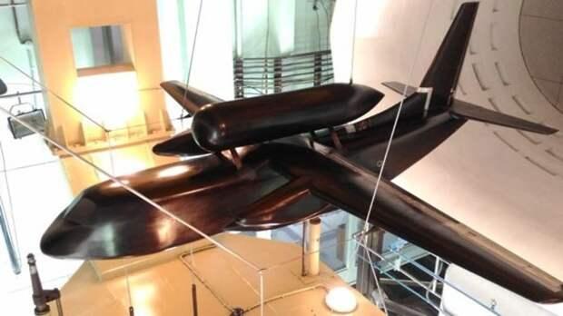 Специалисты ЦАГИ испытали модель легкого конвертируемого самолета на криогенном топливе