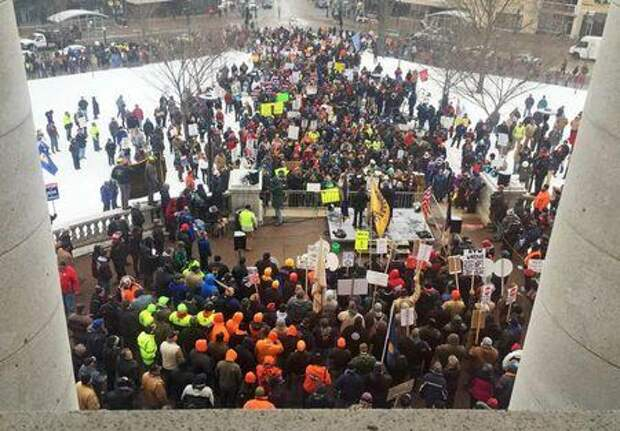 Wisconsin Senate approves right-to-work bill, sends to state Assembly