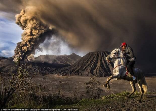Извержение вулкана Бромо