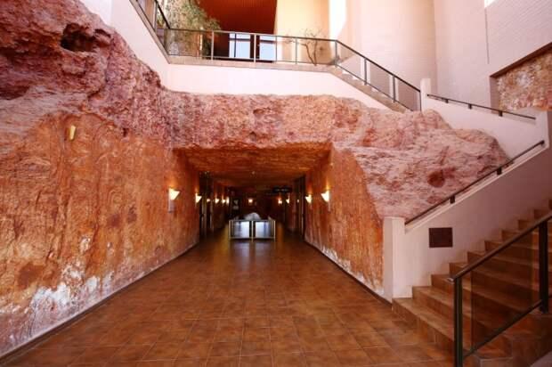 Холл отеля / Фото: vesti.bg