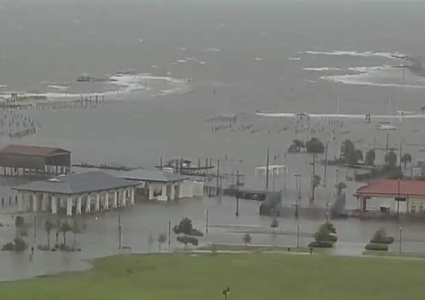 """На штат Луизиана обрушился ураган """"Ида"""""""