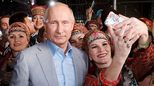 Почему Путин не выходит к народу, если у него такой высокий рейтинг