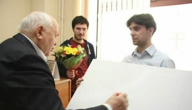 Скандальная картина с подписью Горбачева продана за 12 миллионов