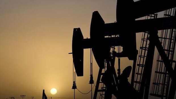 Компании США останавливают добычу нефти