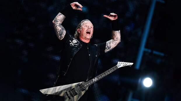 Кафельников восхитился группой Metallica, исполнившей песню Цоя в«Лужниках»: «Это невероятно»