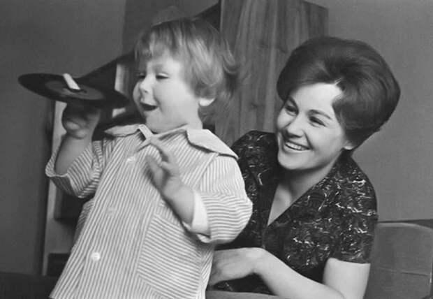 Татьяна Конюхова с сыном | Фото: 24smi.org