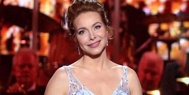 Екатерина Гусева надела шикарное платье точно по фигуре на Золотой Орел 2020