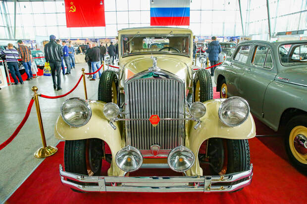 Сезон открыт: в Москве прошла 28-я «Олдтаймер-Галерея»