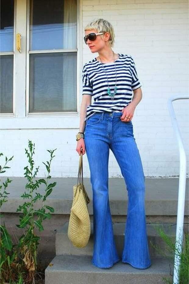 Носим модные джинсы-клеш правильно. Советы стилиста