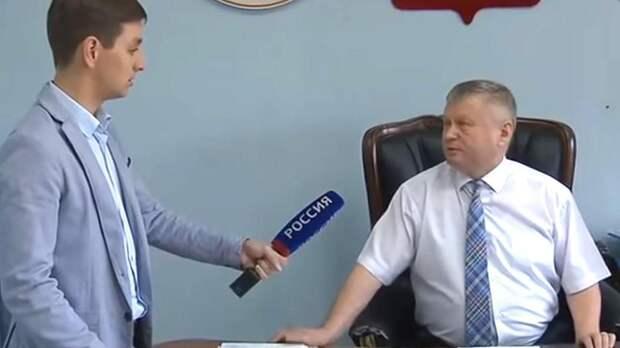 Глава района в Хакасии написал заявление на избитого им журналиста