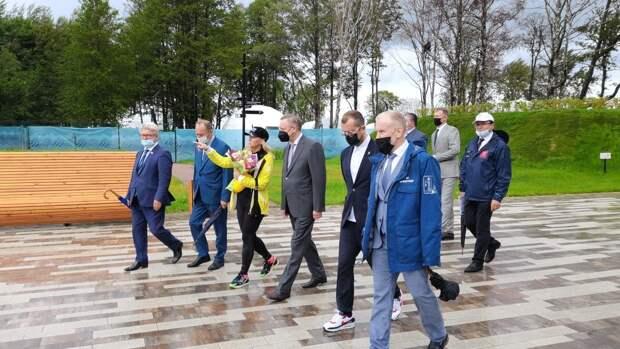 Губернатор Петербурга посетил «Остров фортов» в Кронштадте