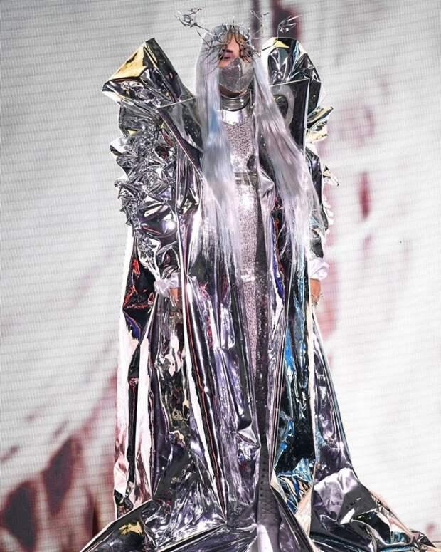 5 классных нарядов Леди Гаги, которые переплюнули платье из мяса
