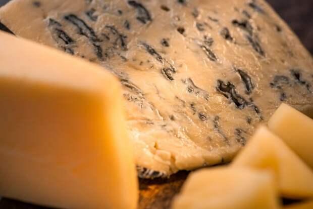 Многие люди самым отвратительным продуктом считают сыр.