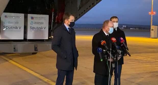 Военные самолеты НАТО в Москву и обратно