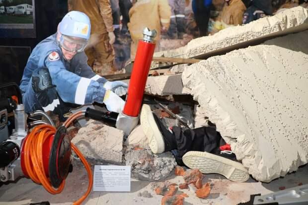 Пень с арсенала Пугачево и инсталляции спасения людей могут увидеть жители Ижевска на новой выставке