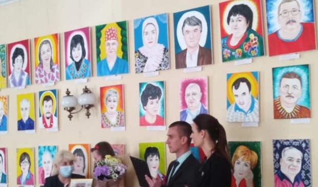 Выставка портретов медиков, погибших из-за коронавируса, открылась вРостове